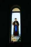 Красочные витражи Святых христианской церков Стоковая Фотография