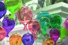Красочные воздушные шары летают к небу стоковое фото