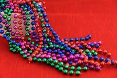 Красочные гирлянды шарика праздника стоковое изображение rf