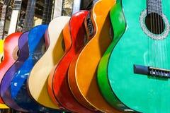 Красочные гитары на базаре Стамбула грандиозном Стоковое Изображение RF