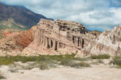 Красочные горы Quebrada de las Conchas, Аргентины Стоковые Изображения RF