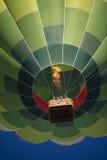 Красочные горячие воздушные шары в полете Стоковая Фотография