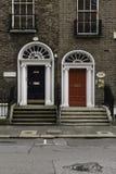 Красочные грузинские двери в Дублине Стоковые Изображения RF
