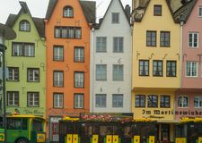 Красочные дома в старом городе Кёльне стоковое фото
