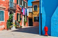 Красочные дома острова Burano, Италии Стоковая Фотография RF