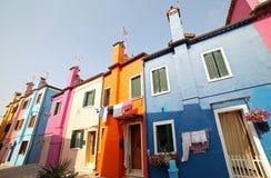 Красочные дома старого городка острова Burano около ВЕНЕЦИИ внутри Стоковые Изображения