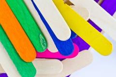 Красочные деревянные ручки lolly льда Стоковые Изображения
