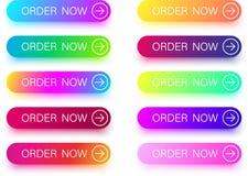 Красочные заказа значки теперь при стрелка изолированная на белизне Стоковая Фотография RF