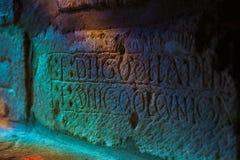 Красочные заплаты цвета на древней стене  стоковая фотография rf