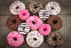 Красочные застекленные donuts с брызгают Стоковая Фотография RF