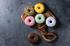 Красочные застекленные donuts Стоковое Изображение
