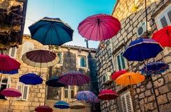 Красочные зонтики в улице Стоковые Фото