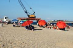 Красочные зонтики на пляже в Fort Lauderdale стоковое фото rf