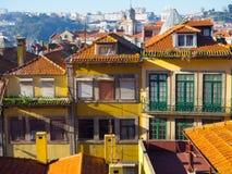 Красочные здания в Ribeira, Порту Португалии Стоковая Фотография RF