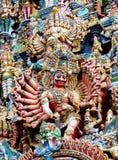 Красочные индусские статуи на стенах виска стоковое изображение rf