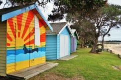 Красочные кабины пляжа в полуострове Mornington в Австралии Стоковая Фотография