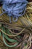 Красочные катушки веревочки на пристани Стоковые Фотографии RF