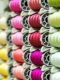 Красочные катышкы потока используемые в ткани и текстильной промышленности Стоковое Изображение RF
