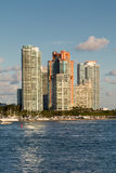 Красочные кондо на побережье Майами Стоковое фото RF