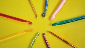 Красочные крюки вязания крючком Стоковое Изображение