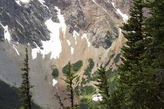 Красочные минералы в горах Стоковые Изображения RF