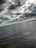 Красочные небеса с солнцем хлопающ до конца Стоковая Фотография