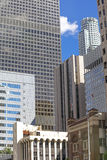 Красочные небоскребы и центр города голубого неба внутри Лос-Анджелеса Стоковые Изображения RF