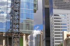 Красочные небоскребы и центр города голубого неба внутри Лос-Анджелеса Стоковые Изображения