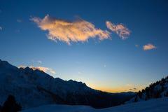 Красочные облака, Passo Tonale, Италия стоковое фото