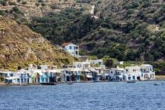 Красочные дома в деревне Klima milos острова Греции стоковое изображение rf