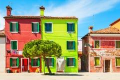 Красочные дома в острове Burano Стоковые Изображения RF