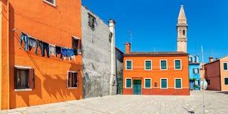 Красочные дома на острове Burano, Италии Стоковое Изображение