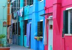 Красочные дома на острове Burano около Венеции в Италии внутри Стоковая Фотография RF