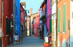 Красочные дома на острове BURANO около Венеции в Италии Стоковые Фотографии RF