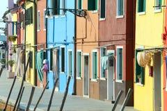 Красочные дома на острове BURANO около Венеции в Италии Стоковое Изображение RF