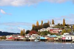 Красочные дома на ходулях Chiloe Стоковое Фото