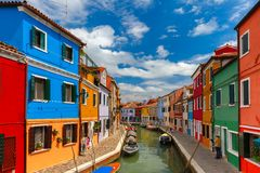 Красочные дома на Burano, Венеция, Италия Стоковое Изображение RF