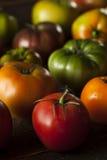 Красочные органические томаты Heirloom Стоковые Фотографии RF