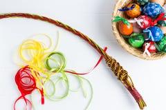 Красочные пасхальные яйца, традиционное украшение на этой весной праздник Стоковые Изображения RF