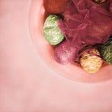 Красочные пасхальные яйца Стоковые Изображения