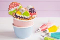 Красочные печенья замороженности формы конуса мороженого Стоковая Фотография RF