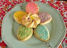 Красочные печенья сахара пасхи Стоковые Изображения