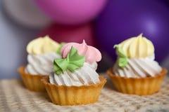 Красочные пирожные с воздушными шарами Стоковая Фотография RF