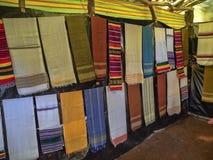 Красочные покрывала ткани на рынке на озере Tana в Эфиопии стоковая фотография rf