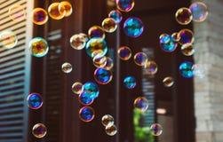Красочные пузыри мыла стоковые фото