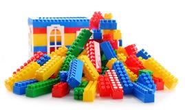 Красочные пластичные игрушки детей на белой предпосылке Стоковые Фотографии RF