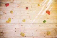 Красочные рука и точки опоры на взбираясь стене Стоковая Фотография
