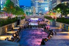 Красочные света города парка потока Cheonggyecheon Стоковая Фотография RF