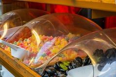 Красочные сладкие конфеты, солодка и шоколад на чехе Христос стоковые изображения rf