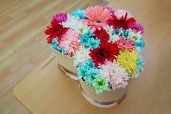 Красочные смешанные цветки Смешанная цветочная композиция: различные цветки в других цветах для свадьбы Стоковое Изображение RF